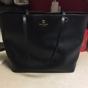 AUTHENTIC KATE SPADE purse. Great condition ❤️